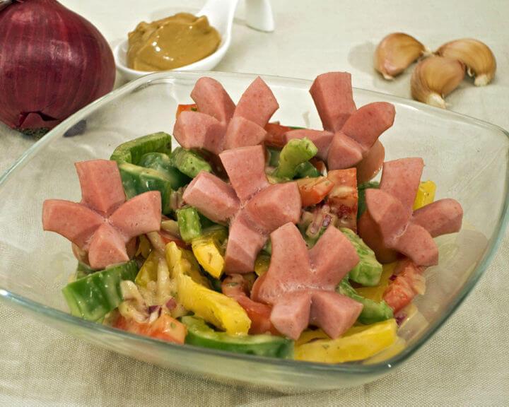 Salata od paprika i hrenovki - Fini Recepti