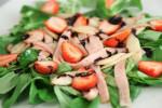 Salata s purećom šunkom, šparogama i jagodama - Fini Recepti by Crochef