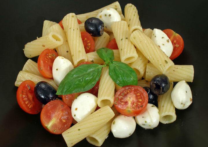 Talijanska salata s makaronima