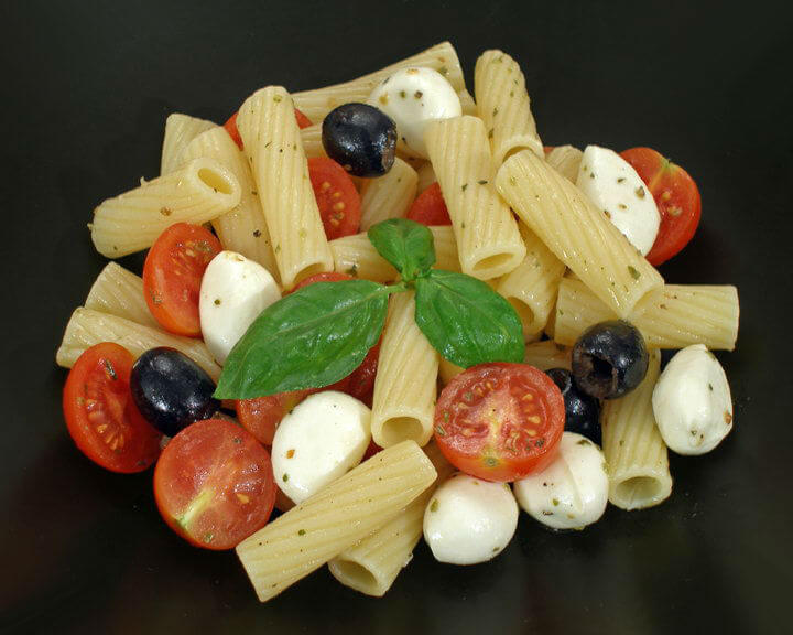 Talijanska salata s makaronima - Fini recepti