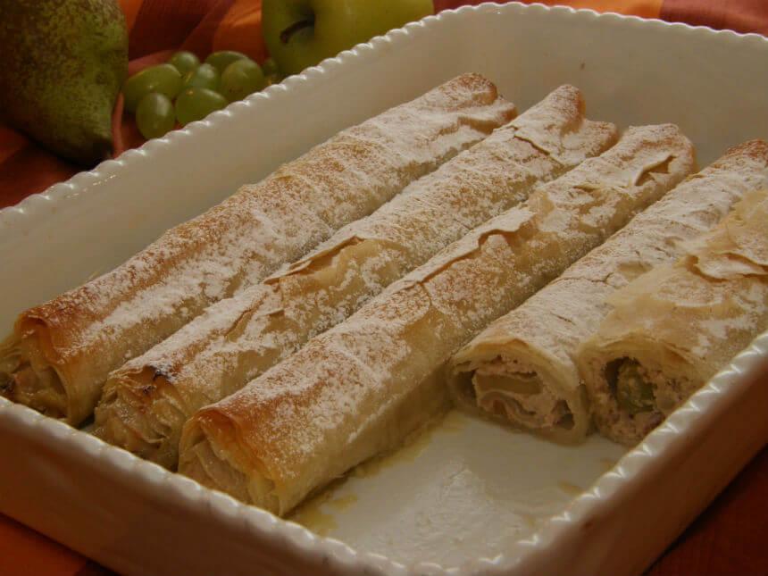 Savijača s grožđem i svježim krem sirom - Fini Recepti