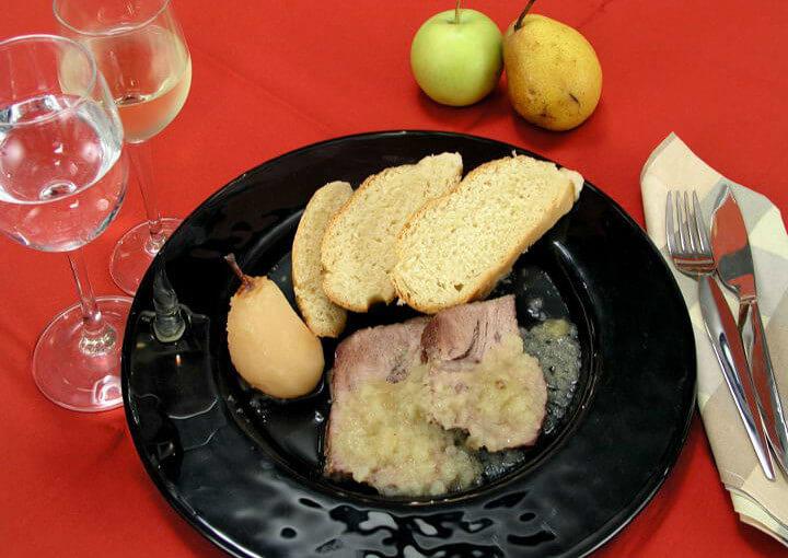 Seljačko pečenje s kruškama i jabukama