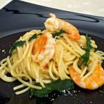 Špageti s rukolom i morskim kozicama