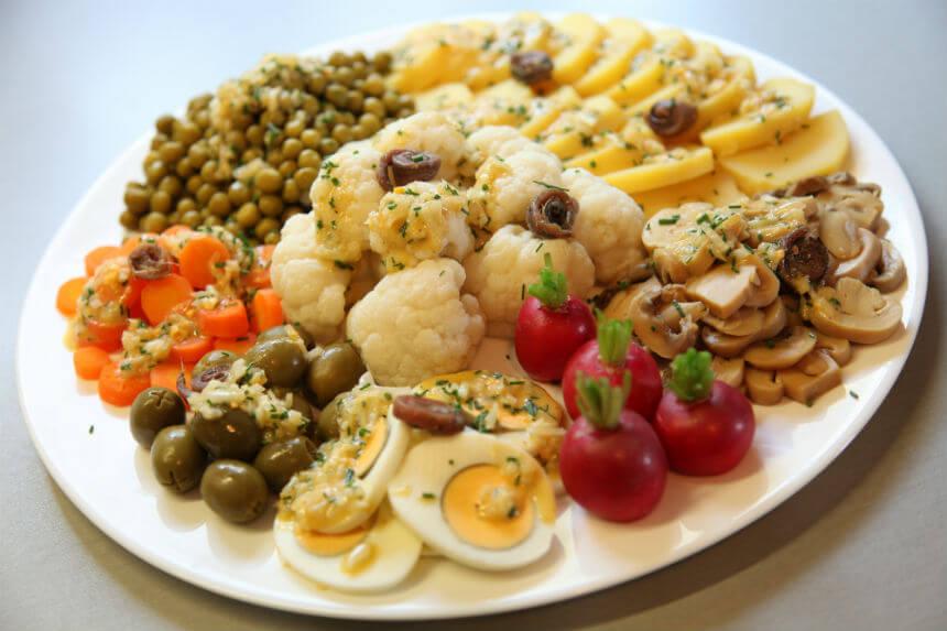 Svečani pladanj sa salatama - Fini Recepti by Crochef