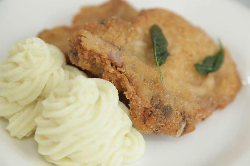 Prženi svinjski kotleti panirani s bešamelom - Fini Recepti by Crochef