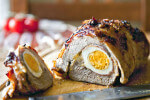 Teleća rolada s pršutom i tvrdo kuhanim jajima