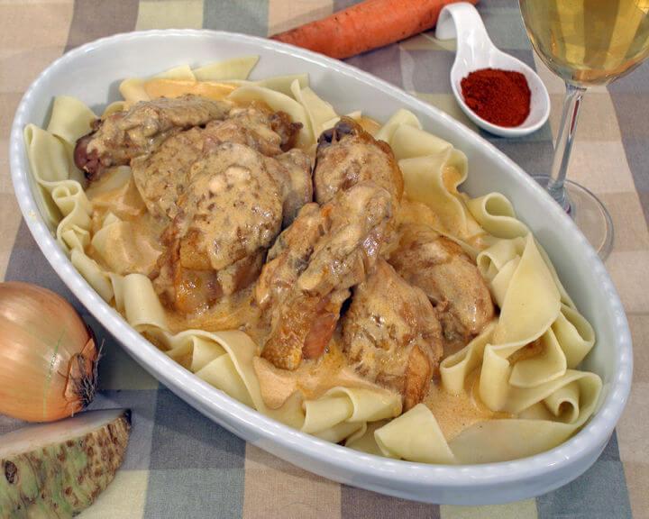 Tenfana piletina s rezancima - Fini Recepti