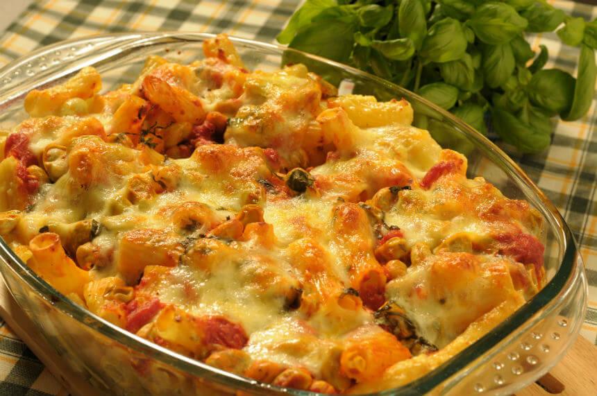 Tjestenina s mladim bobom i umakom od rajčice - Fini Recepti