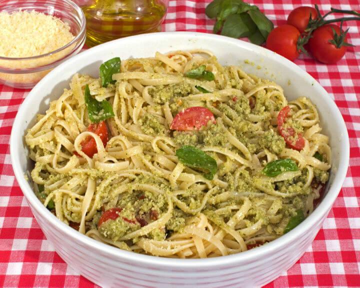 Tjestenina s pestom na sicilijanski način - Fini Recepti