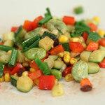 Topla salata od boba, tikvica i mladog luka