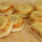 Topli sendviči sa sirom i slaninom