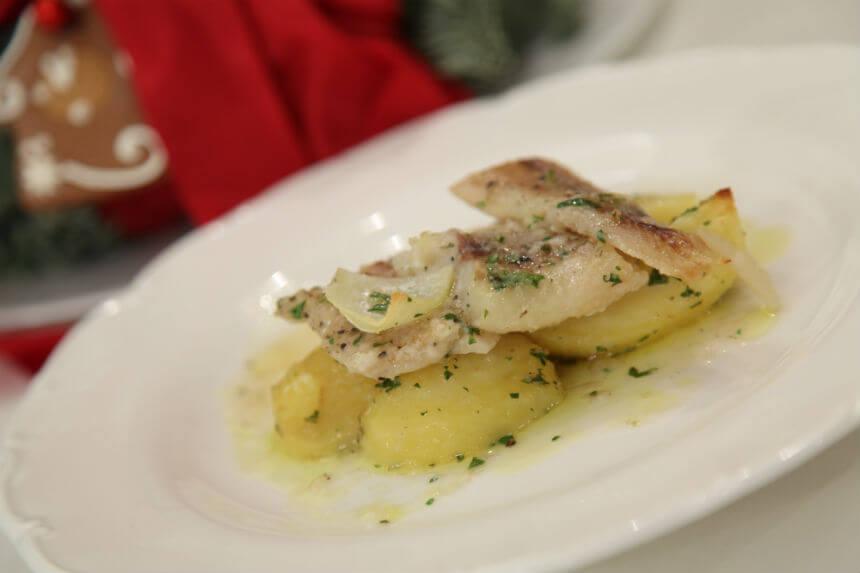 Zapečeni bakalar s krumpirom na mediteranski način - Fini Recepti by Crochef