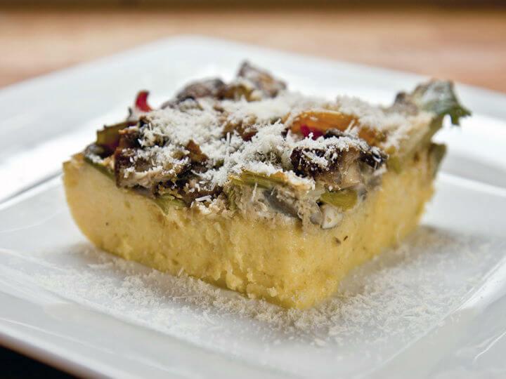 Zapečeno povrće i gljive na palenti - Fini Recepti by Crochef