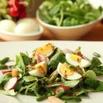 Toplo hladna salata s tvrdo kuhanim jajima