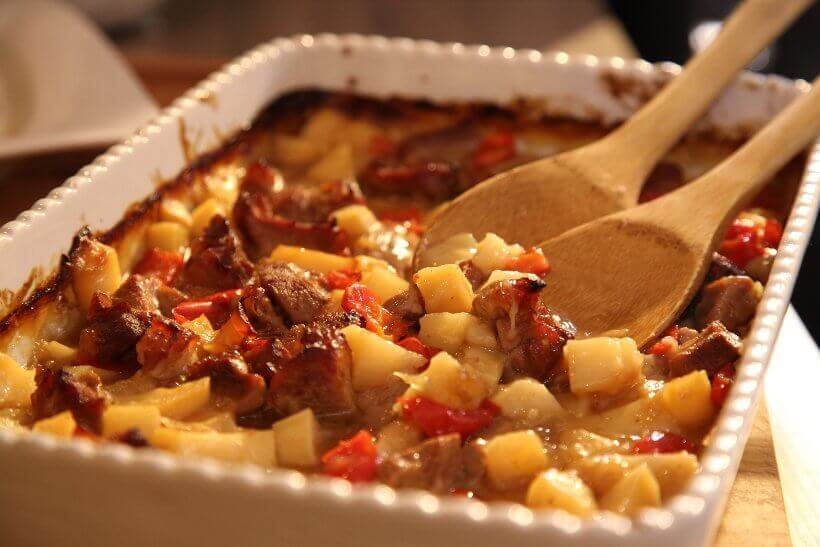 zapeceni gulas s krumpirom