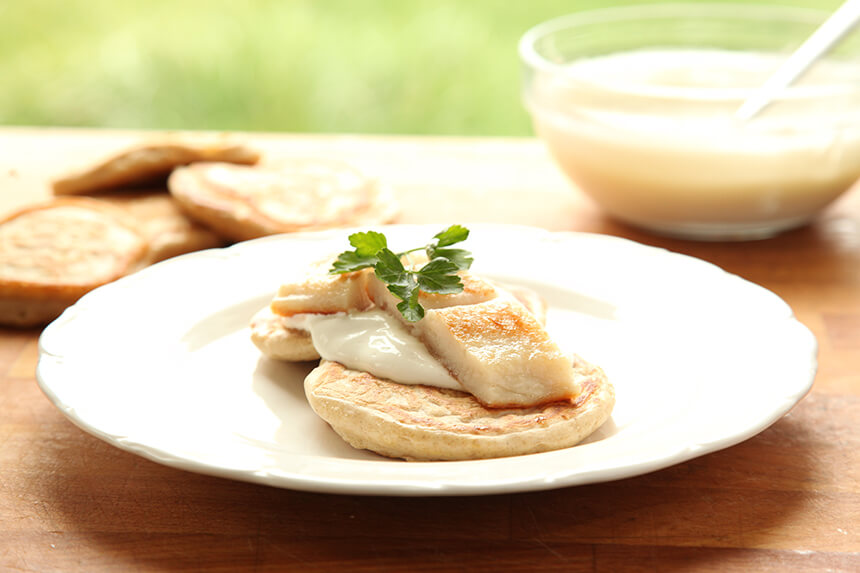 Blini sa sirom i filetom bijele ribe