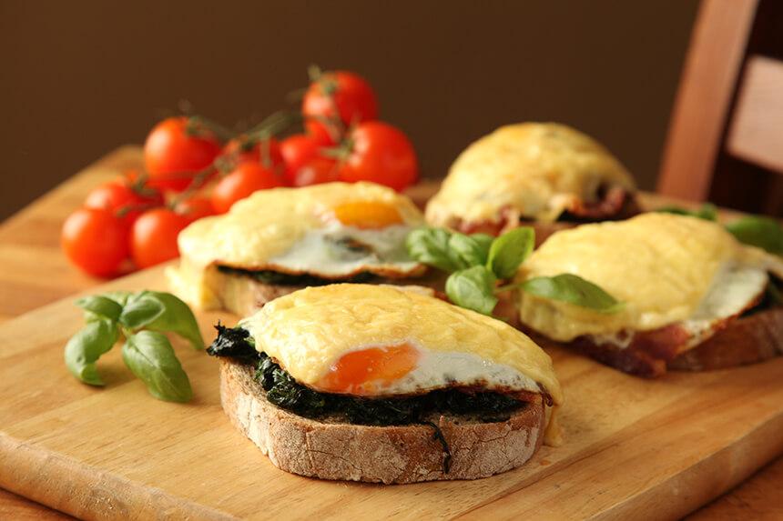 Firentinski sendvic sa spinatom, jajima i pancetom