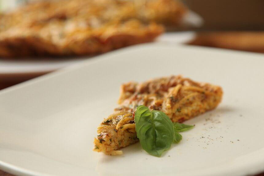 Fritata s pancetom i svježom tjesteninom