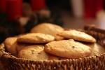 Kolačići od svježeg đumbira s komadićima čokolade i orasima