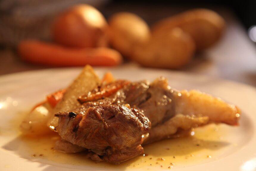 janjeća plecka s krumpirom kao ispod peke