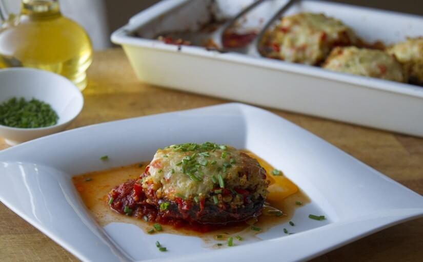 Šampinjoni s prosom, mozzarellom i rajčicom