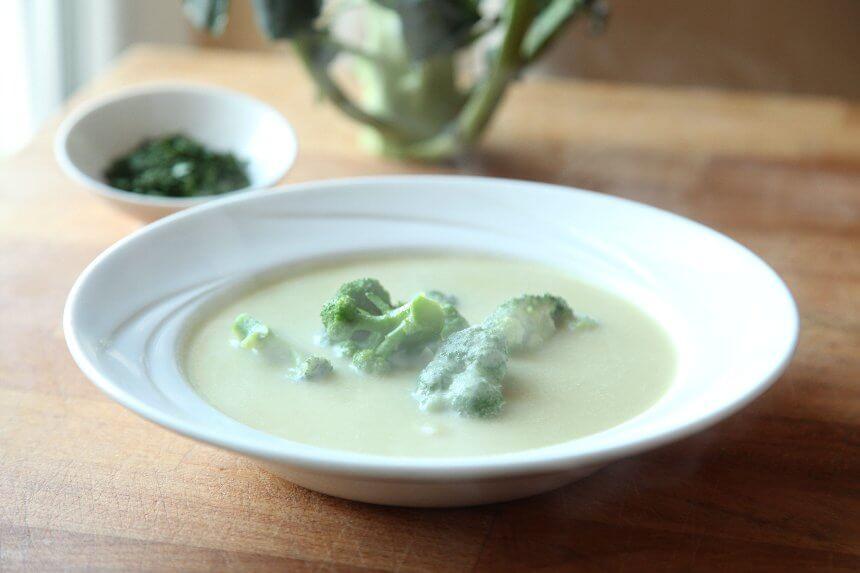 Krem juha od krumpira, poriluka i brokule s vrhnjem za kuhanje