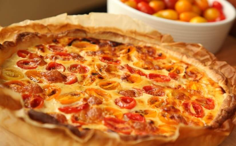 Pita od svježeg sira, mini rajčica i mozzarelle