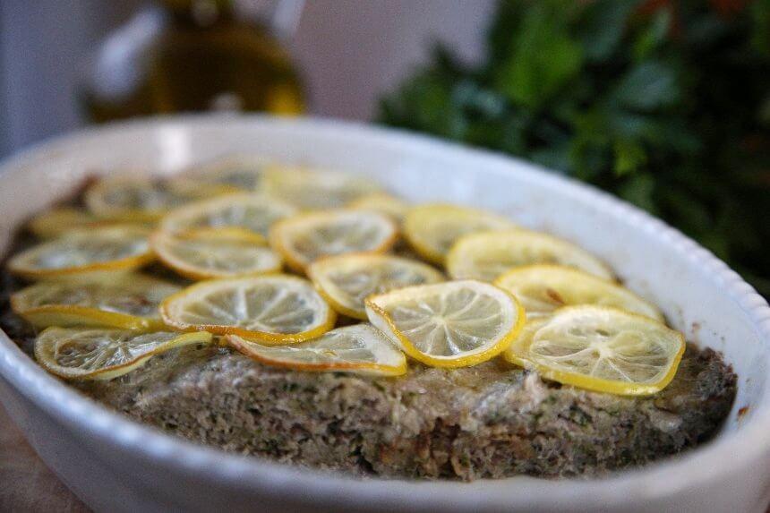 Slani kolač od srdela sa sirom i limunom