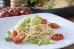 Tjestenina s mini rajčicama i celerom -