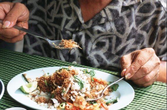 tajland jedenje zlicom