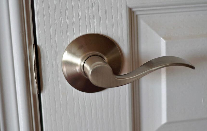 lever-door-knob