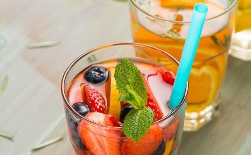 voda-s-jagodom-i-bobicama