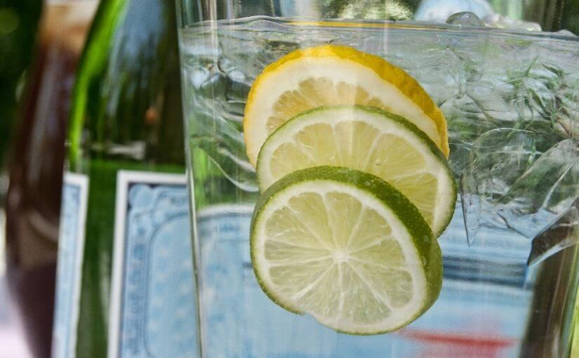 7 razloga zbog kojih je voda s limunom bolja od kave