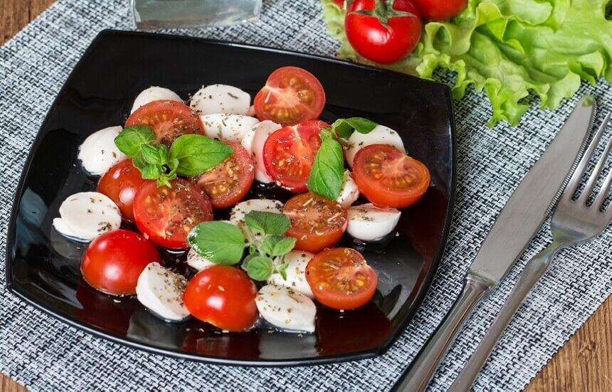 caprese-salata