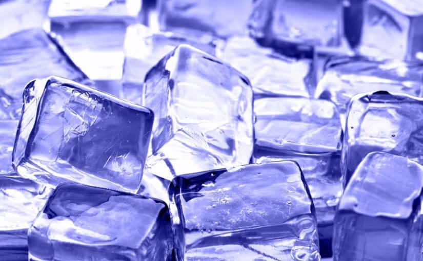 Nevjerojatan razlog zbog kojeg bi trebali koristiti vruću vodu za izradu ledenih kockica
