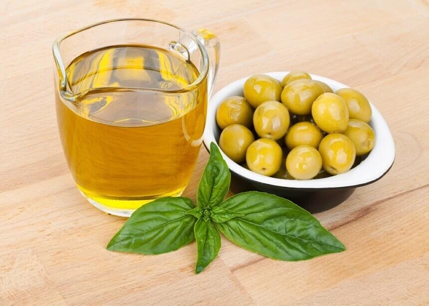 maslinovo-ulje-i-masline