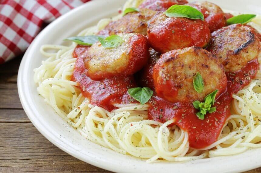 spageti-s-mesnim-okruglicama