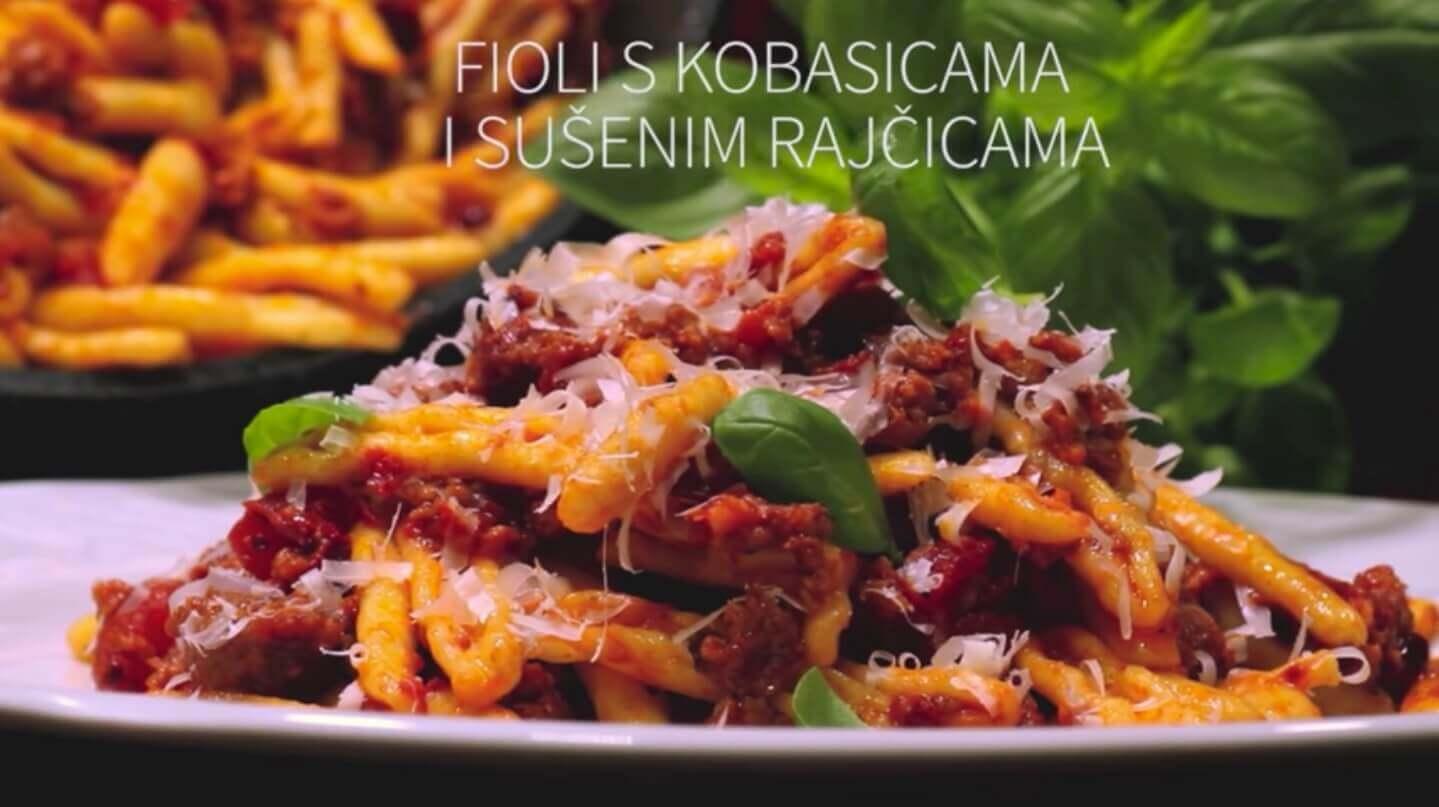 fioli-s-kobasicama-i-susenim-rajcicama
