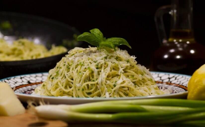 Špageti s limunom i parmezanom