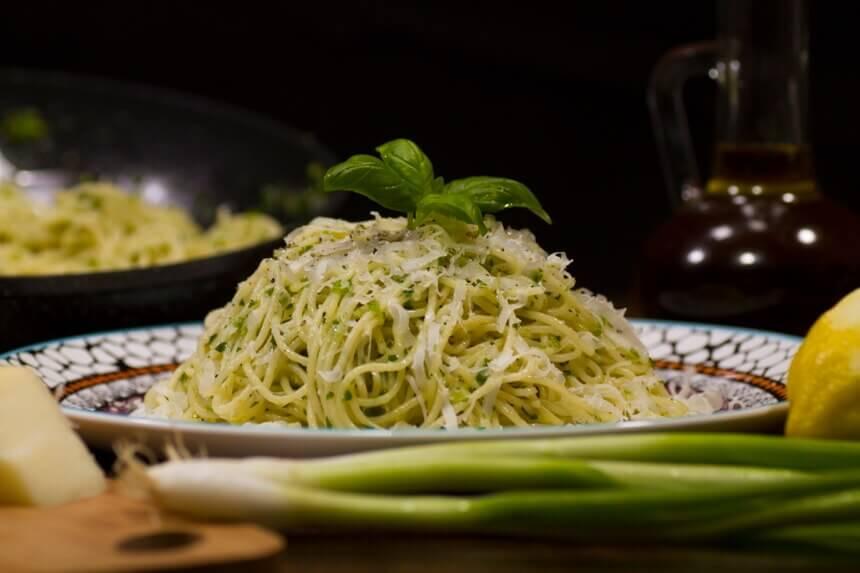 spageti-s-limunom-i-parmezanom