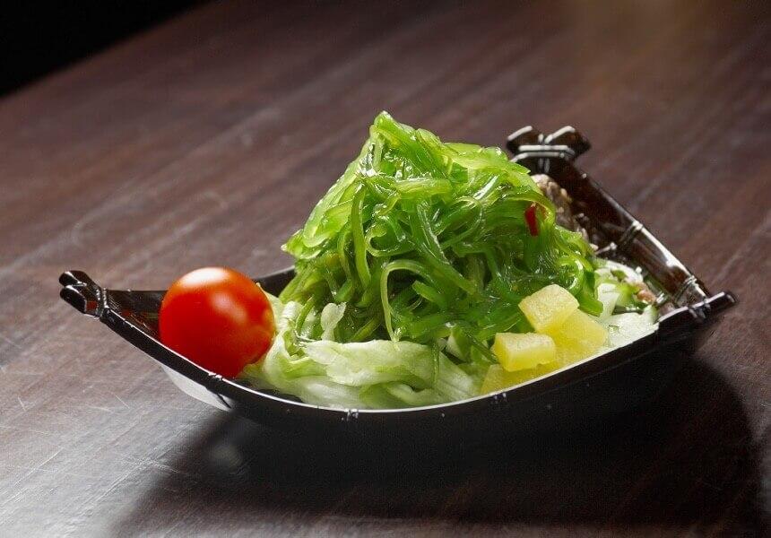 salata-s-morskom-travom