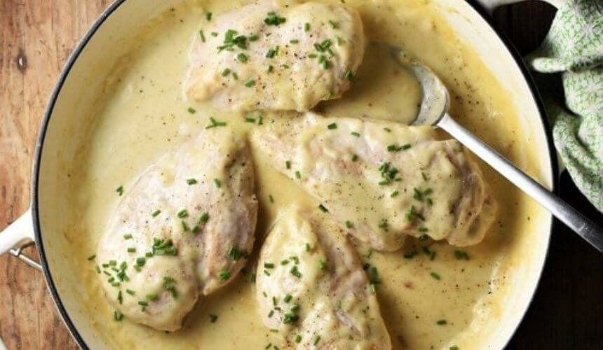 Piletina u umaku od vrhnja i sira