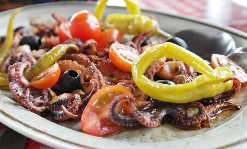 Jednostavna salata od hobotnice